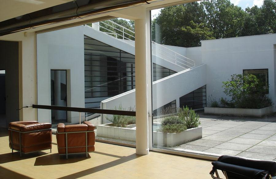 Le Corbusier, Villa Savoye, interior with terrace. Photo: Frédéric de Fourram