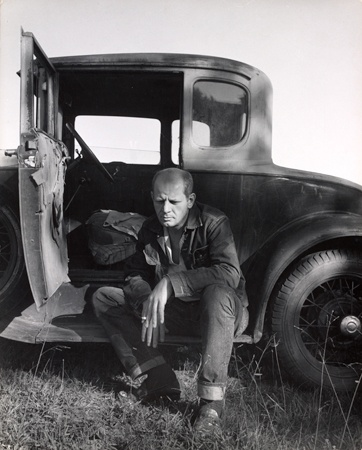 Jackson Pollock. Photo by Hans Namuth